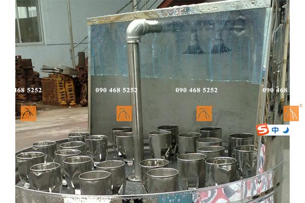 Thiết bị rửa chai bán tự động, Máy súc rửa chai 24 vòi