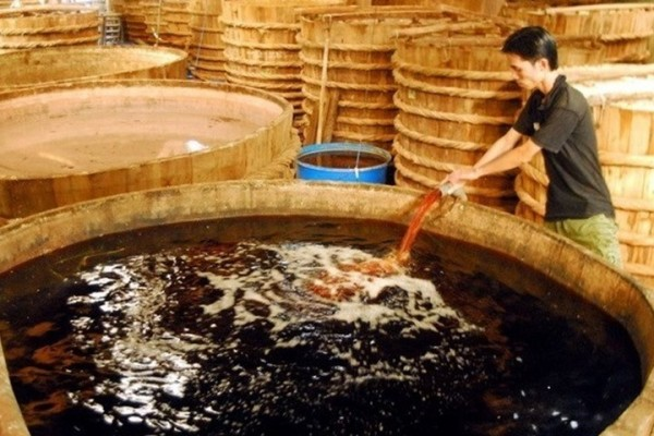 Bí quyết tạo nên đặc sản nước mắm cá linh Đồng Tháp