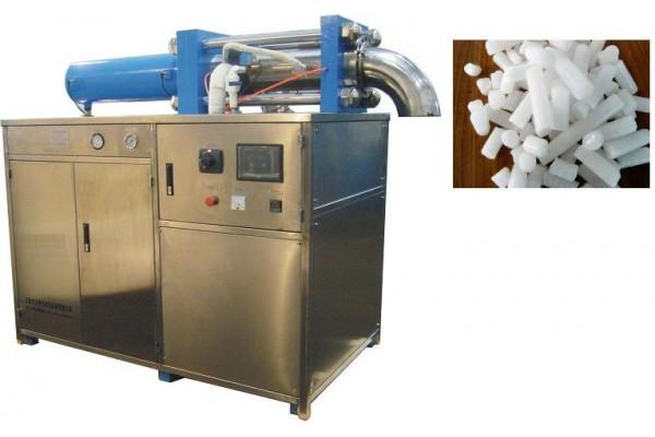 Máy sản xuất đá CO2 ( Đá khô, đá khói )